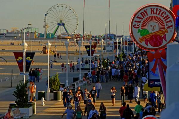 08-BoardwalkStroll