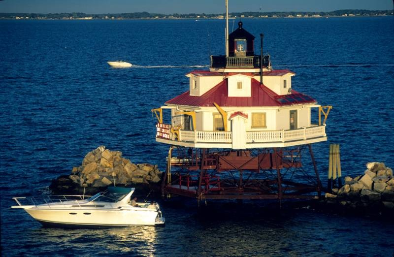 Loney Lightkeeper